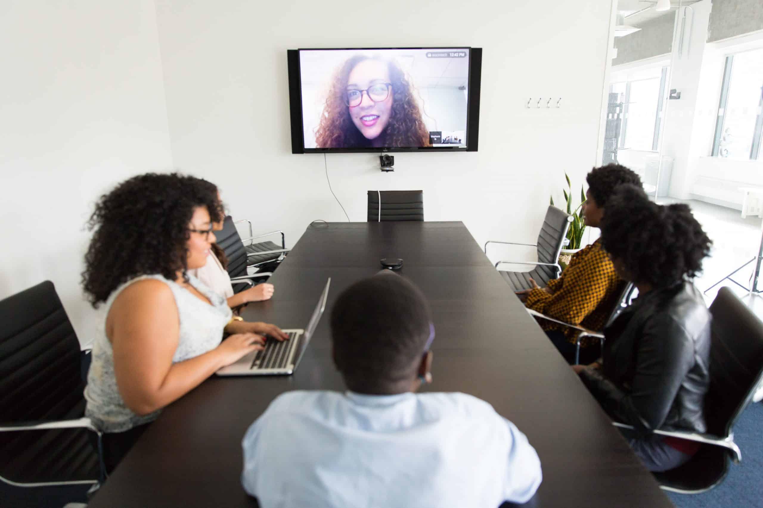 Comment bien préparer votre réunion en visio-conférence ?